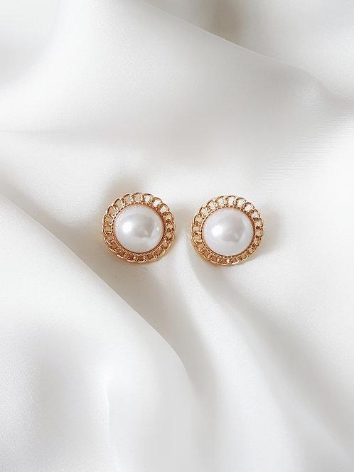 Esmée Pearl Earrings