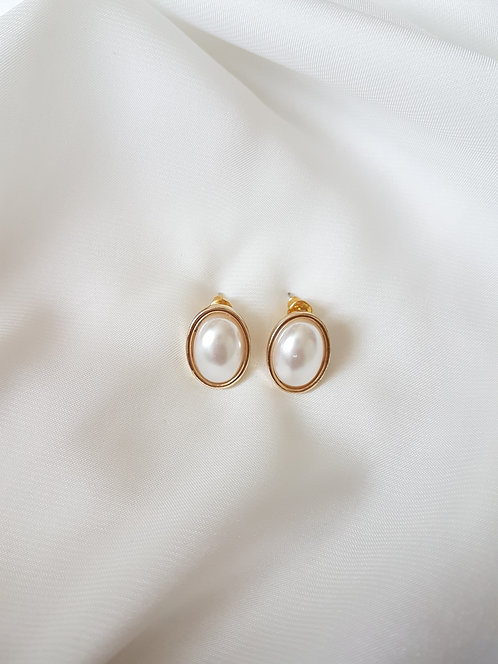 Bethany Pearl Earrings