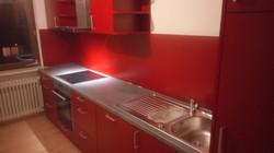 Küchenzeile, Bordeaux-Rot