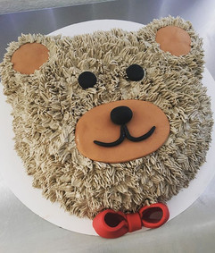 Bear shaped cakes are my favorite 🐻❤️🎂
