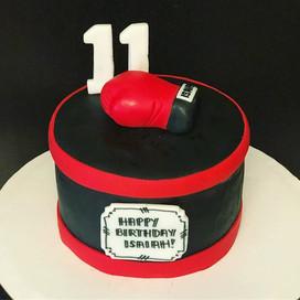 Boxing glove cake! 🥊 #Boxing #Cake #Box