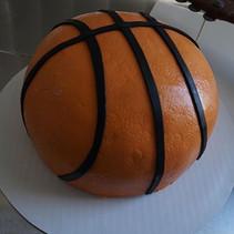 🏀🏀🏀 #BasketballCake #EdibleArt #Shape