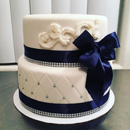 Classic elegance 👌 Custom cakes for any