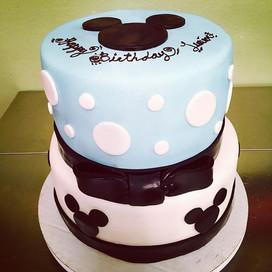 Mickey Mouse Birthday Cake 💕 #mickeymou