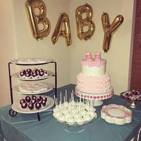 It's a girl baby shower custom cake & de