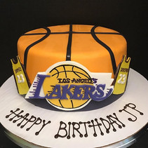 Lakers & Lebron James! 🏀 #LakersCake #L