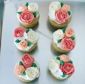 Rose Bouquet Cupcakes 💕 #Cupcakes #Butt