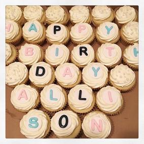 Birthday cupcakes! 🎈🎉 #celebratelife.j