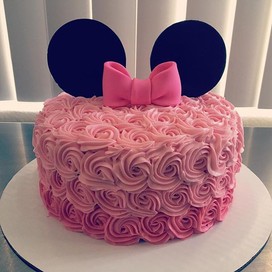 Minnie Mouse 🎀 #rosettecake #ombre #but