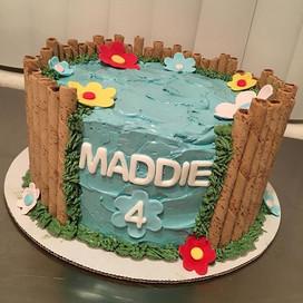😋🌸🎂 #cakes #cakedesigns #buttercream