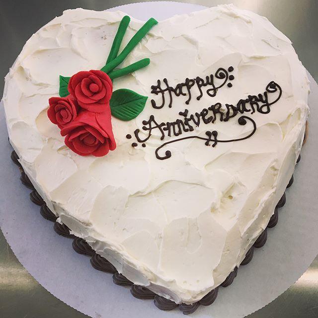 Anniversary cake ❤️🌹 #love #anniversary