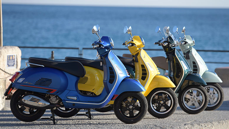 2019-vespa-gts-300-hpe-review_147.jpg