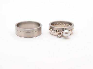 Witgoud, titamiun, grijze parel en diamant