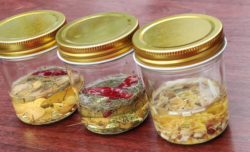 Herbal oil workshop