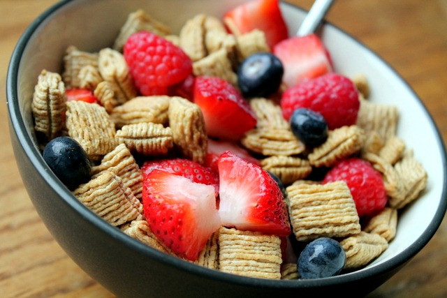 how to choose healthy cereal www.redkitchenette.com