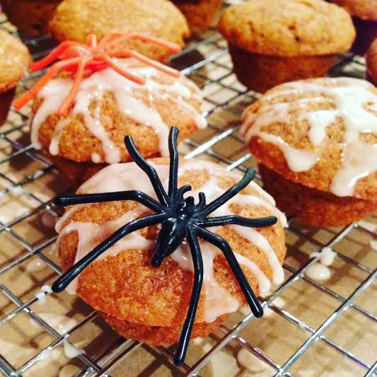 Halloween Whole-Wheat Pumpkin Muffin www.redkitchenette.com