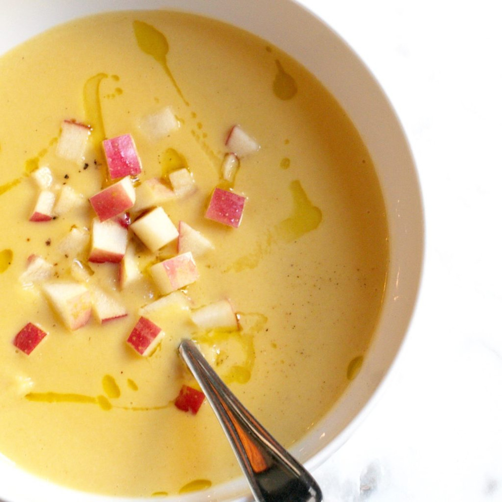 butternut squash and apple soup www.redkitchenette.com