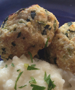 Recipe: Turkey, Kale & Ricotta Meatballs with Cauliflower Mash