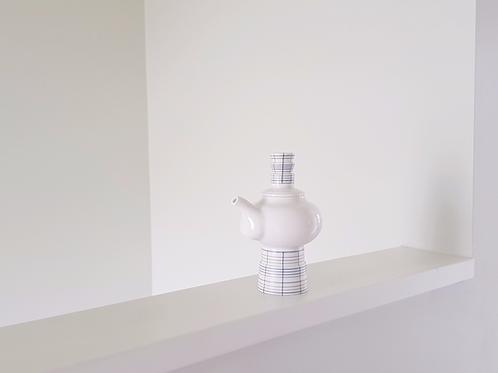 Inlaid Sculpture Teapot