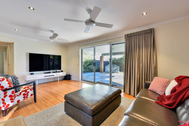 Ceiling fans and reverse cycle heating and cooling for year round comfort