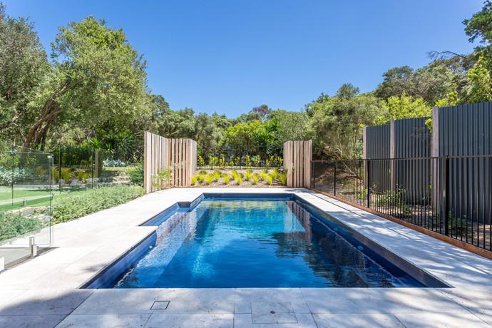 Beautiful pool - irresistible!