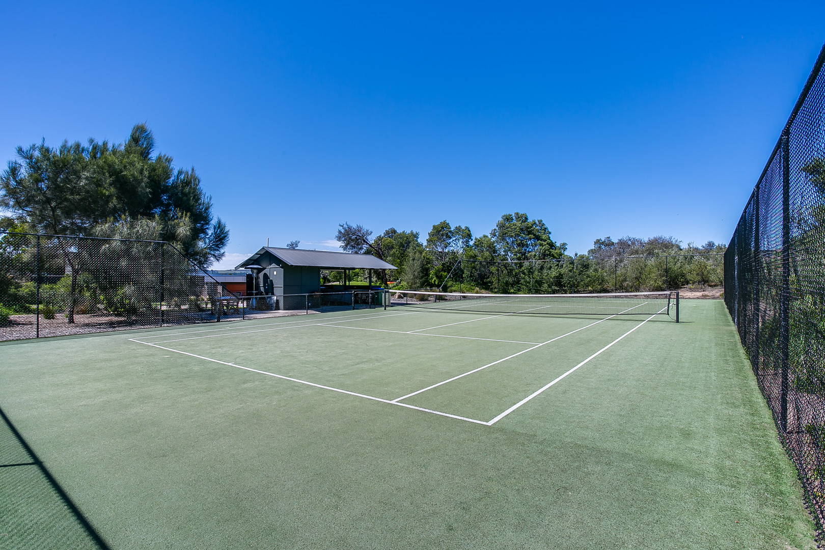 Tennis court at Moonah Links