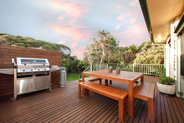 BBQ and al fresco dining on the deck