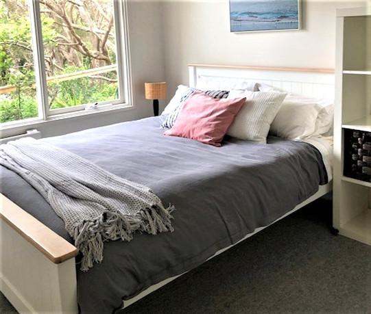 Bedroom 3 with queen size bed