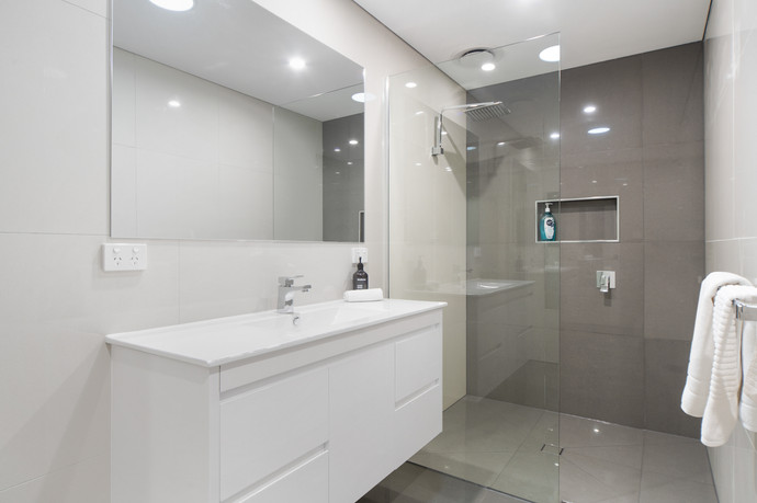 Central bathroom with walk-in shower