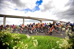 womens-cycling-tour-photographer.jpeg