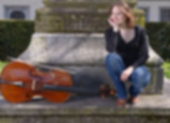 Romana Kaiser ist eine vielseitige Cellistin, die Klassische Musik in Konzerten, im Cello Unterricht und an Festivals mit einem breiten Publikum teilt. Private Hauskonzerte als Trio, Quartett und diverse Kammermusik sind möglich. Cello Unterricht in Zürich, Winterthur, Bassersdorf, Brütten, Effretikon, Frauenfeld.
