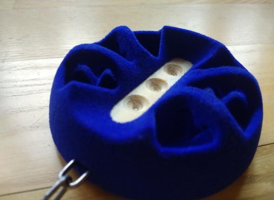 Cello pin holder, Stachelhalter, TigsDesign