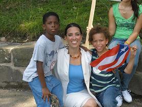 Sen. Chang-Díaz takes photo with young men