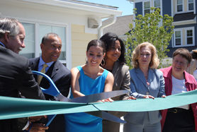Sen. Chang-Díaz cuts ribbon for new building with Gov. Deval Patrick