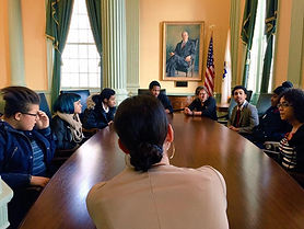 Sen. Chang-Díaz talks with youth