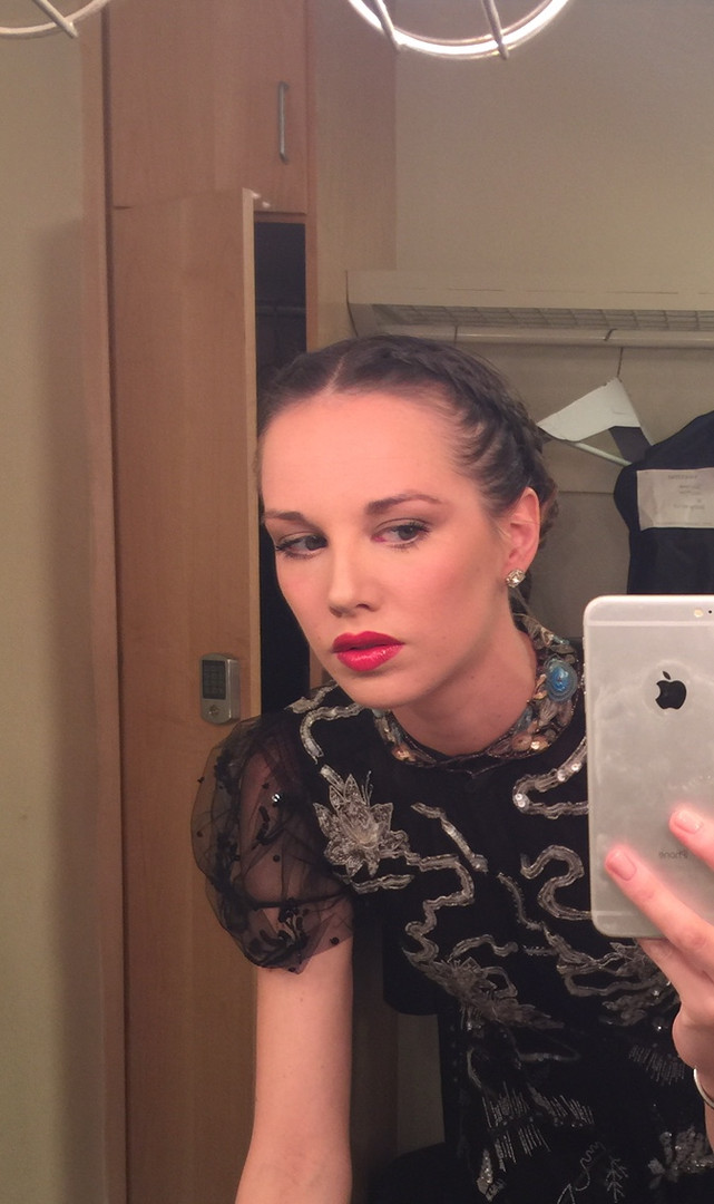 Pre-Gala makeup check
