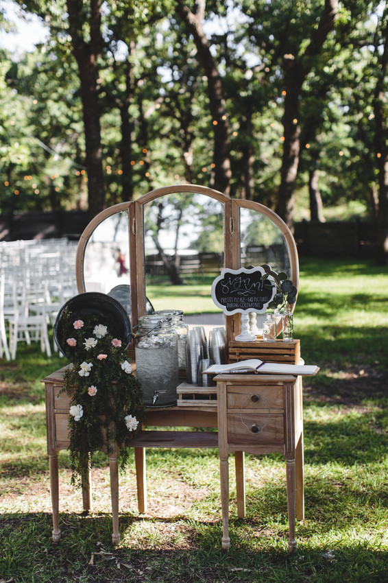 Jonathan  Grace Wedding 293.jpg