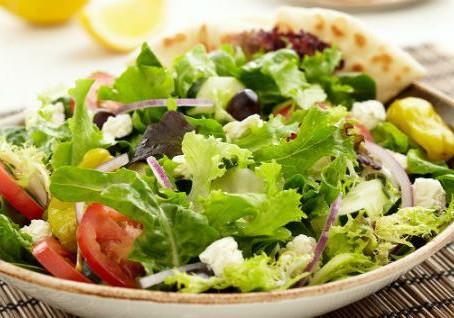 Leves, coloridas e saborosas: conheça os benefícios das saladas