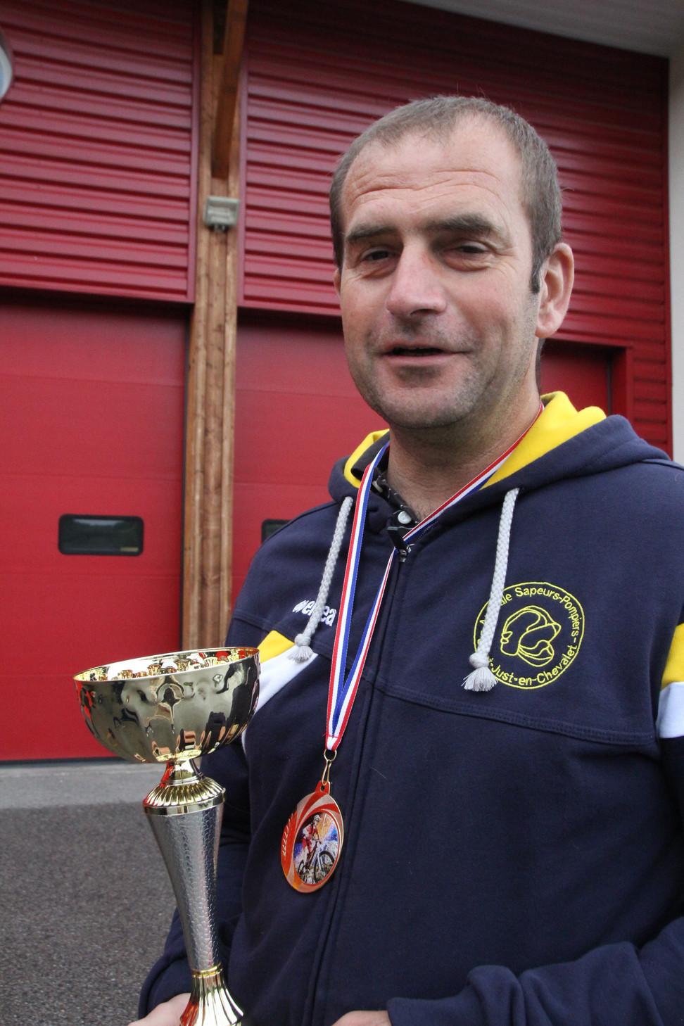Médaille d'or pour les sapeurs-pompiers volontaires de St Just-en-Chevalet