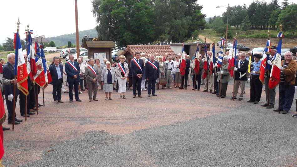 Les élus pendant la cérémonie à Arcon