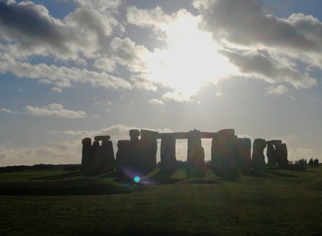 Mysterious blue orb spotted at Stonehenge!