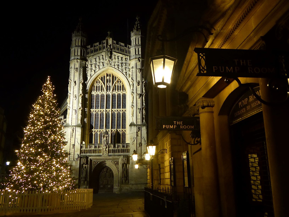 This year's Christmas tree in front of the Bath Abbey