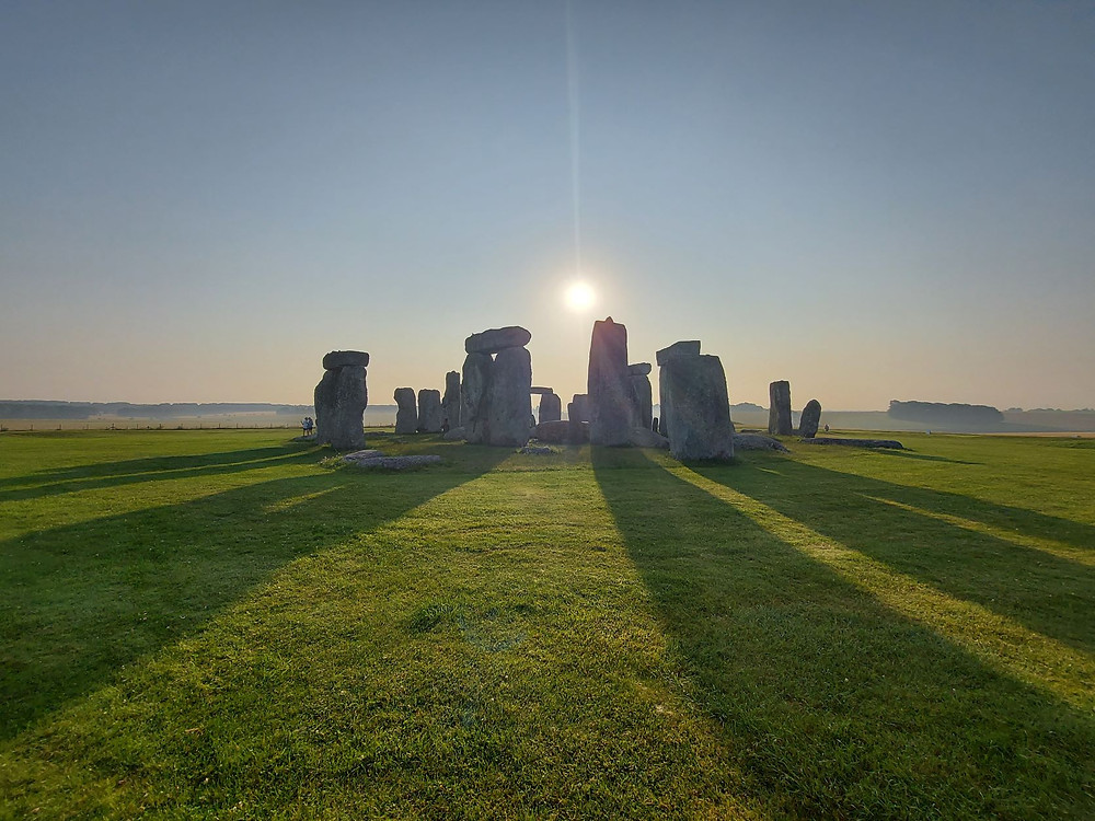 Stonehenge sunrise shadows