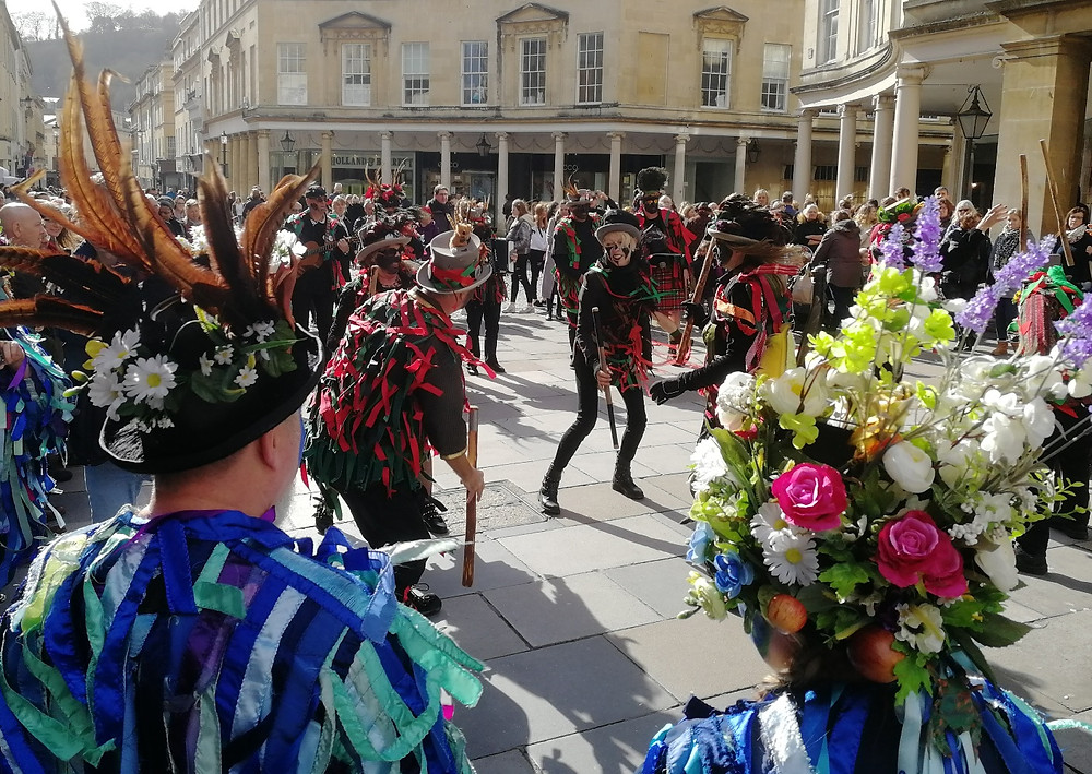 Folk dancing in Bath - Bath Insider Tours