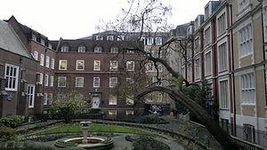 Staple_Inn_London.jpg