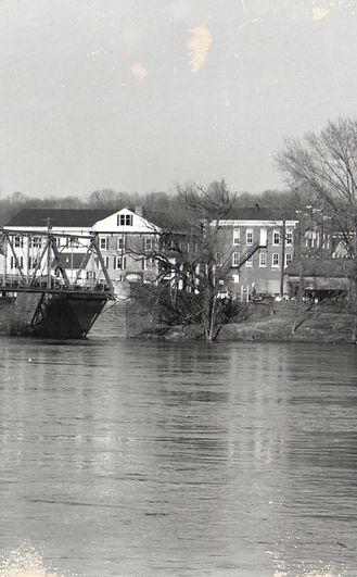 Frenchtown bridge facing town b&w.jpg
