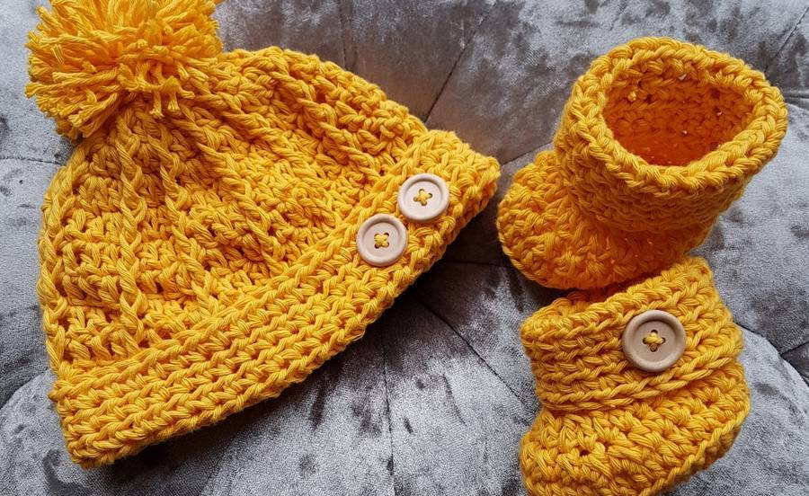 Hat and booties.jpg