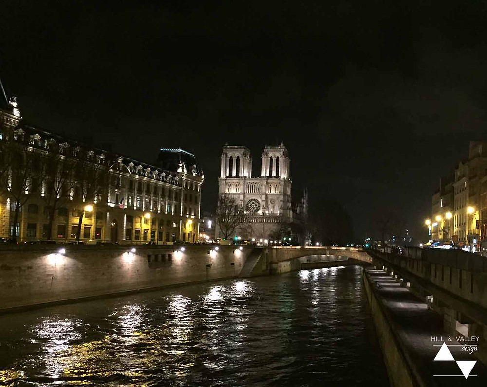 An evening stroll along the Left Bank of the river Seine