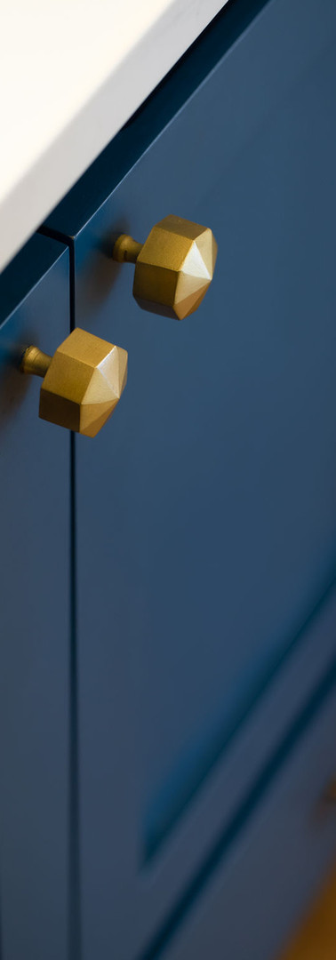 HillandValley-ORC--brass knobs on slate
