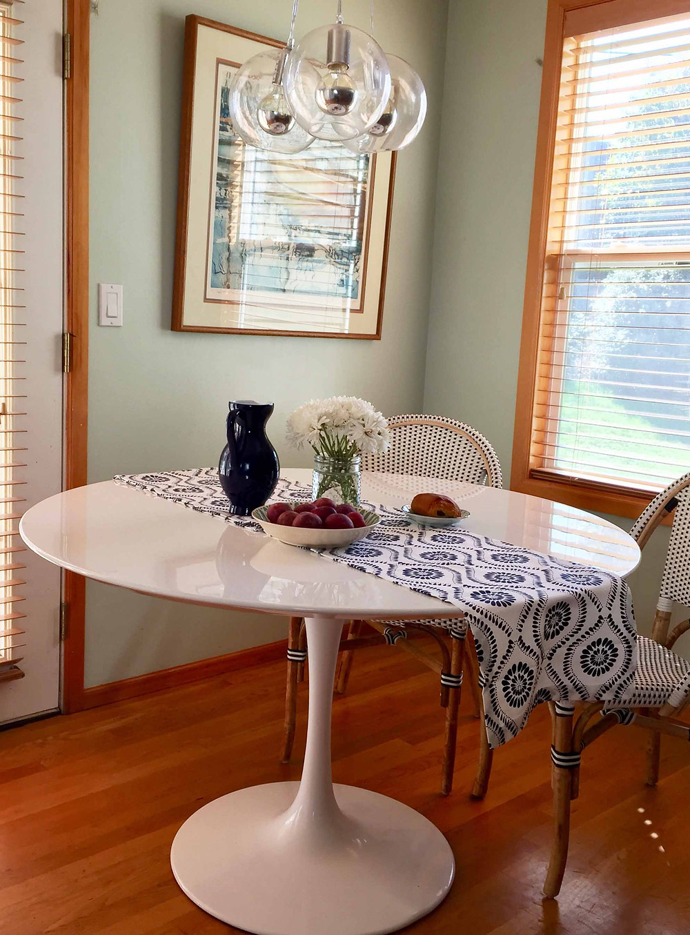 tulip style table in kitchen eating nook